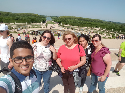 Lucky for sun, Versailles visit.
