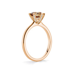ring-sophie-440487-rotgold-150-diamant_4-stehend
