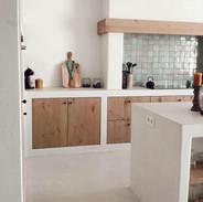 Kitchen zelliges and oak