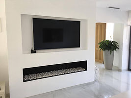 Partition walls in Calahonda. fireplace on gas