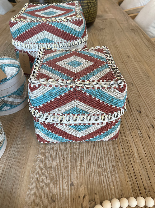 basket multicolour with shells