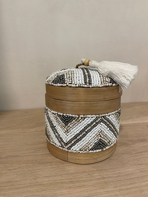 Moroccan basket with pearls S