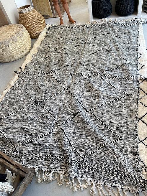 Zanafi carpet 300 x 200cm