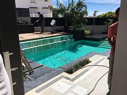 zwembad en installatie in benalmadena haven