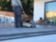 Opvoegen van terras na vochtprobleem door barsten Fuengirola