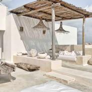 Outdoor lounge in beton ciré