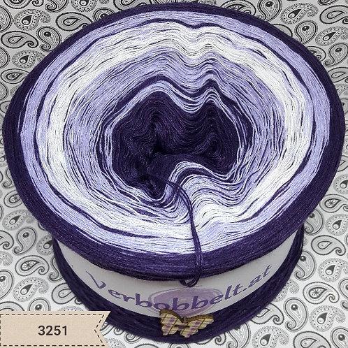 Bobbel - Farbverlaufsgarn in den Farben lila violett weiss