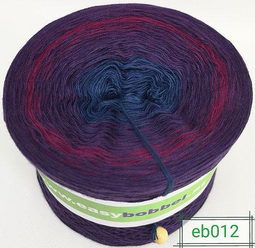 Violetter Bobbel zum häkeln und stricken mit dunklem Farbverlauf