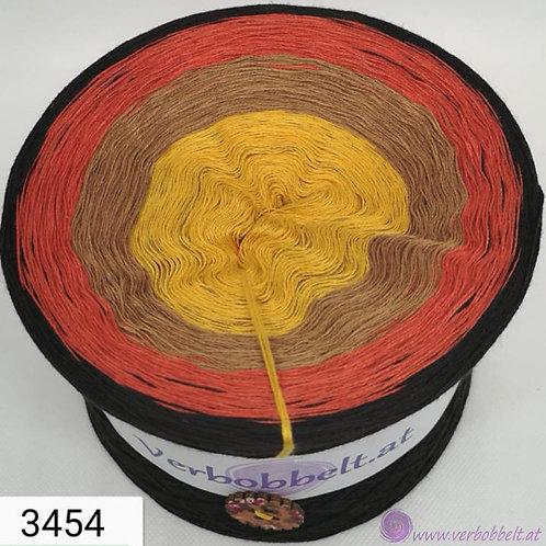 Besonders warme Farbtöne schmücken diesen wundervollen Bobbel zum häkeln und stricken