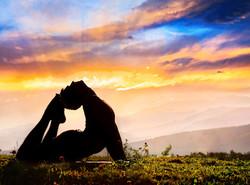 yoga-sunset-head-feet