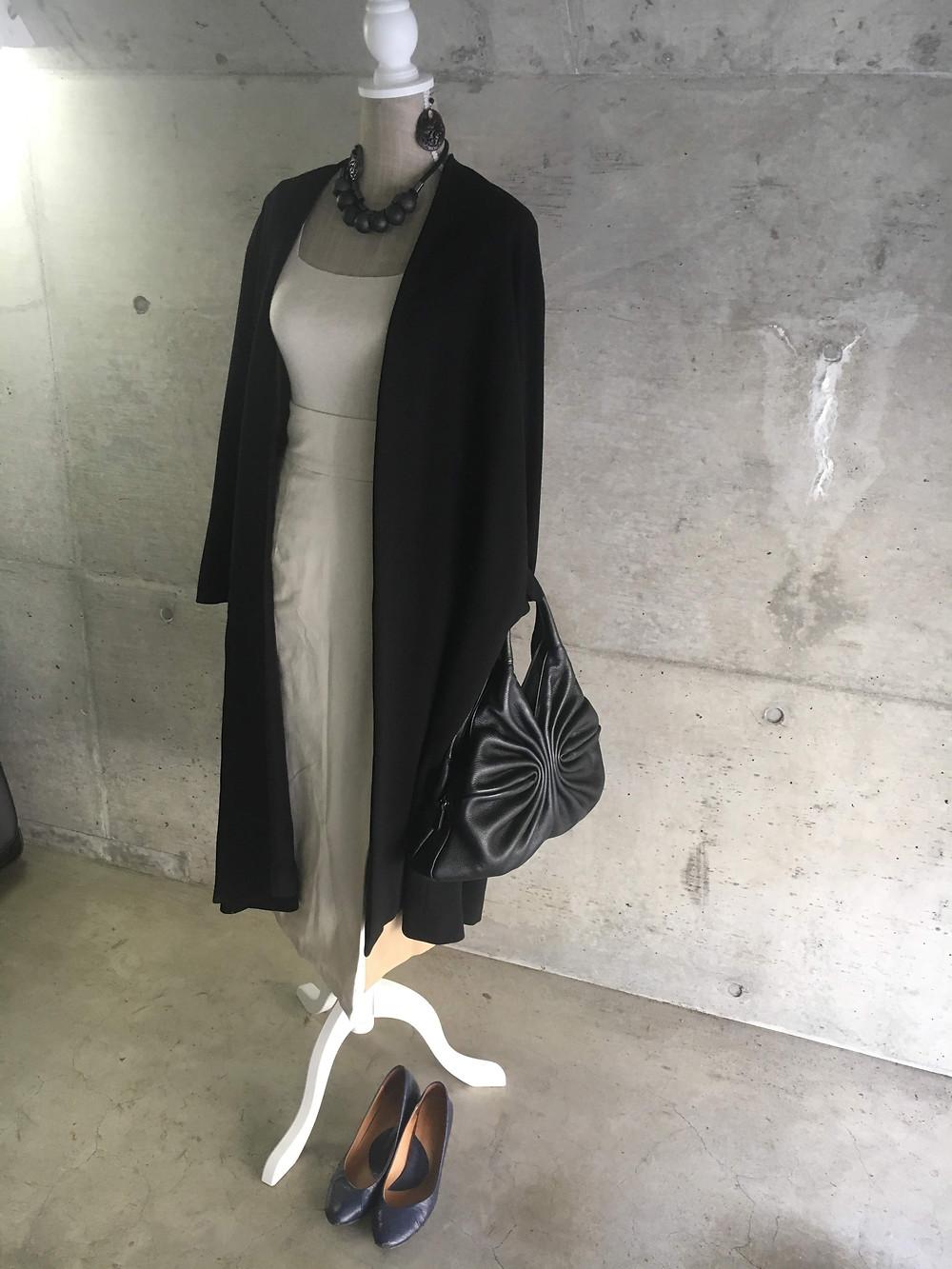 コート バック ブラック パンプス