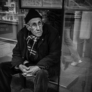 Noomi-hall vous évite de ressembler à un retraité avant l'âge. N'attendez plus le bus, connectez-vous.