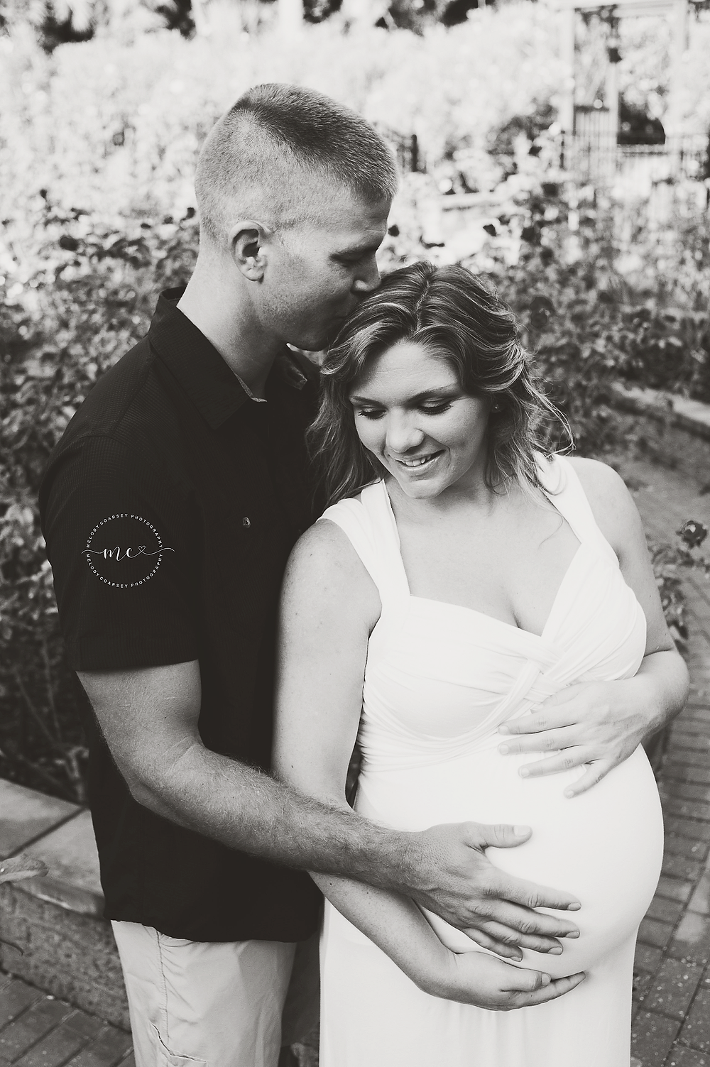 Maternity Photographers that offer Military Discounts