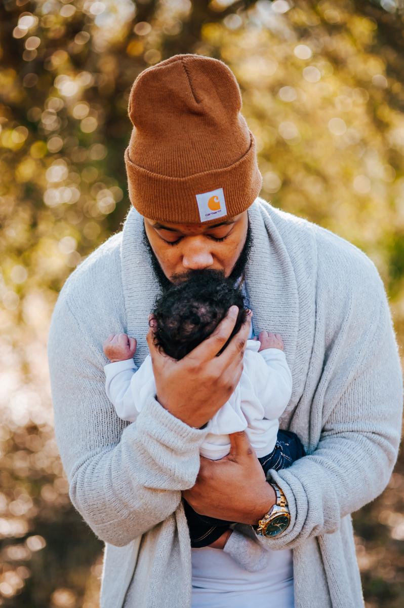 newborn photos outdoors