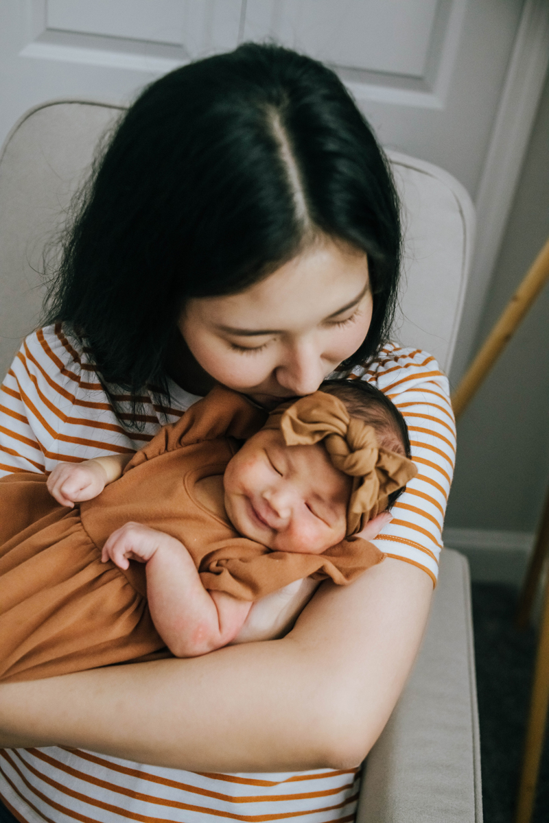 lifestyle newborn photographer jacksonville