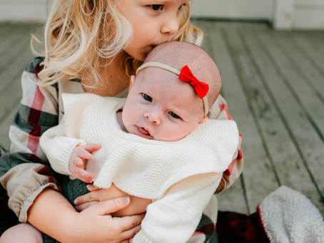 Christmas Family Photography | Sisters | Family Photographer Jacksonville