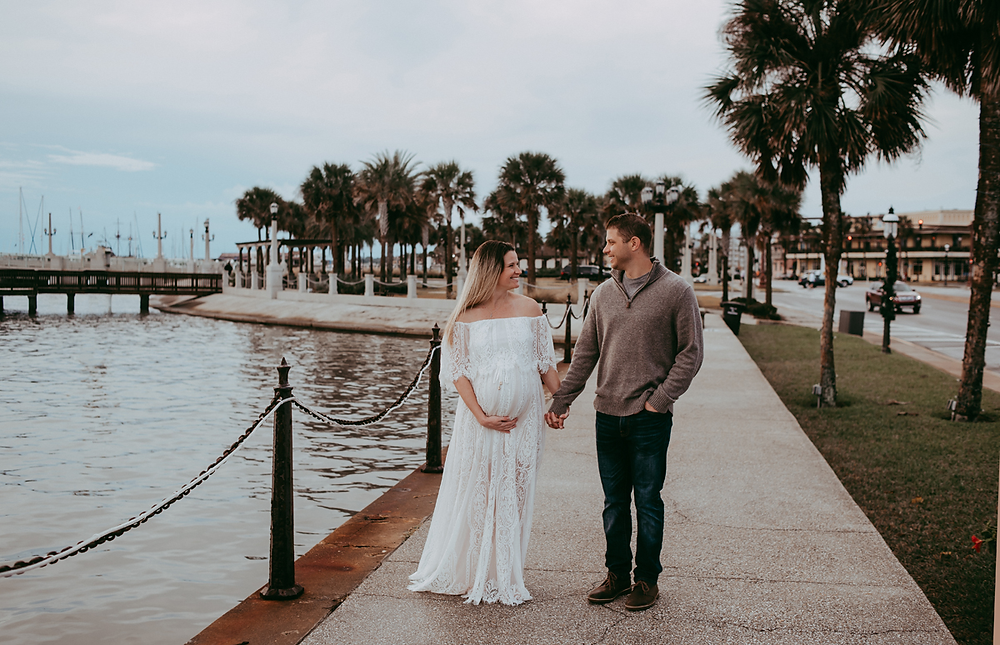 affordable maternity photographer near me