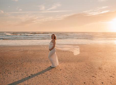 Maternity Monday | Jacksonville Maternity Photographer | Maternity Photography in Jacksonville FL