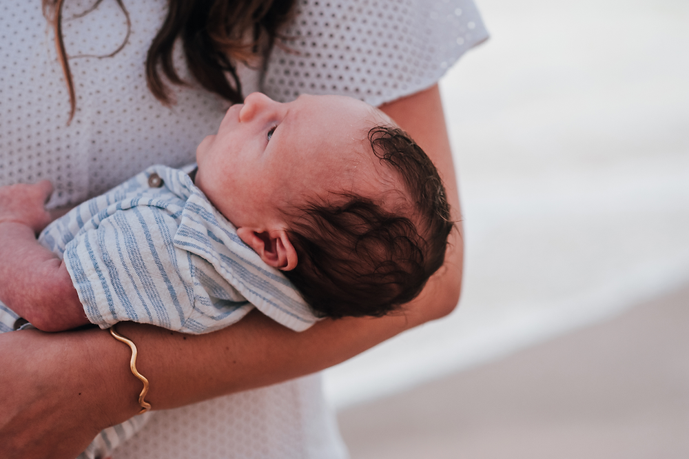 outdoor newborn photoshoot in jacksonville fl