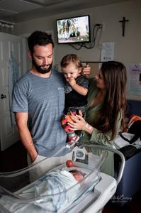 in hospital newborn photographer jacksonville