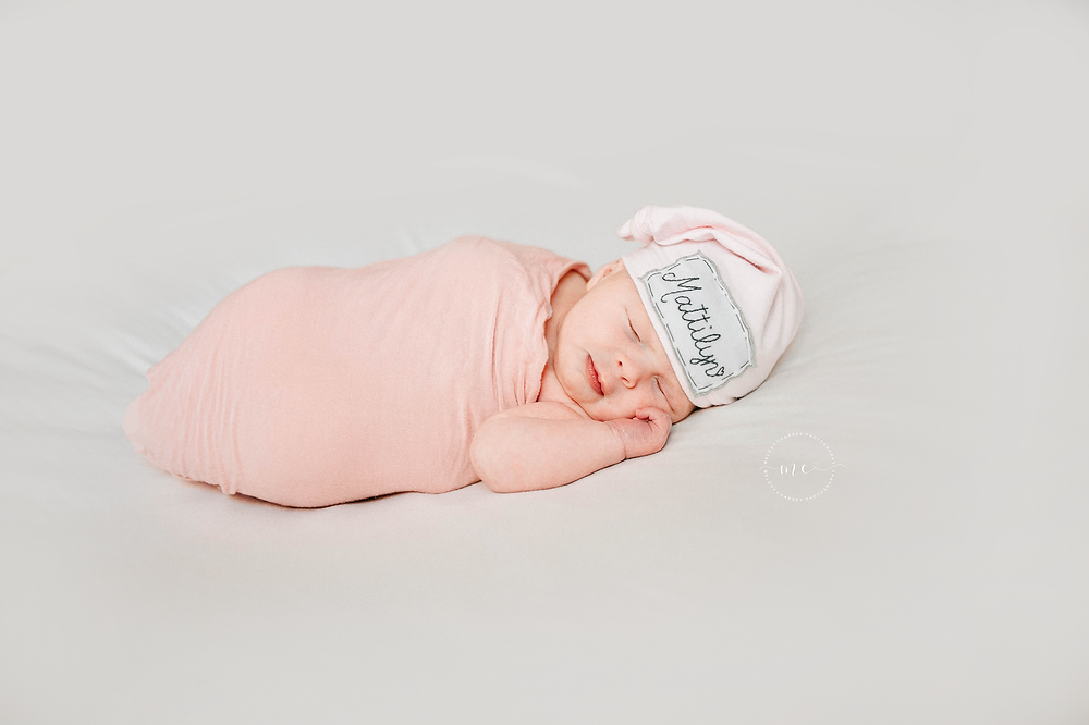 Lifestyle Newborn Photographer near me