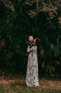motherhood photographer near me