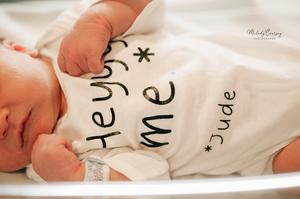 in hospital newborn photographer near me