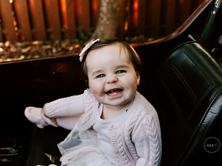 Watch Me Grow | 9 Month Milestone Portraits | Family Photographer Jacksonville