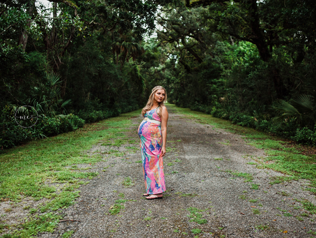 5 Tips for What to Wear for your Maternity Photos