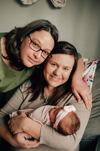 lifestyle newborn portrait photographer jacksonville