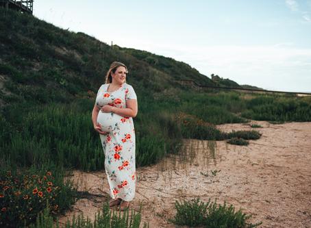 Waiting Wednesday | Maternity Photography | Jacksonville Maternity Photographer