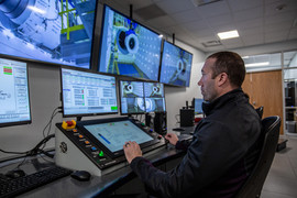 Operators using the yCOM Console System