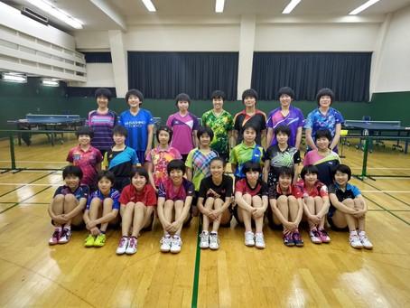 Daniela Yano, da Sogipa, participa de  treinamento de tênis de mesa na Musashino High School, em Tóq