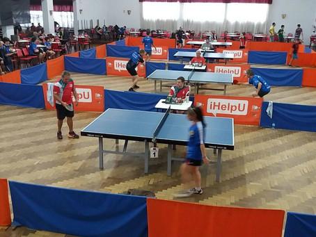Campeonato Estadual de tênis de mesa reúne mais de 70 atletas em São Leopoldo.