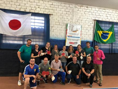 Professores de educação física de Dois Irmãos participam de curso de capacitação sobre tênis de mesa