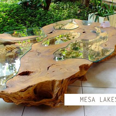 Mesa de centro River madeira orgânica maciça com vidro