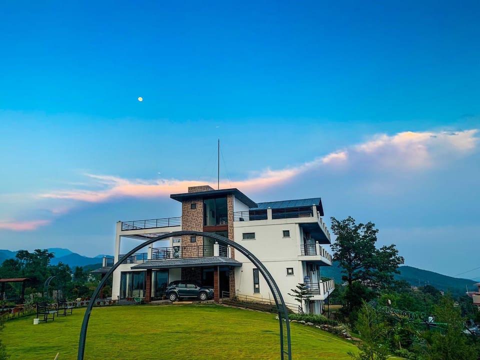 luxurious homestay in Dehradun