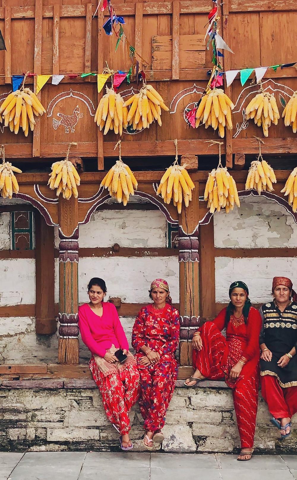Women chatting in Sainji Village