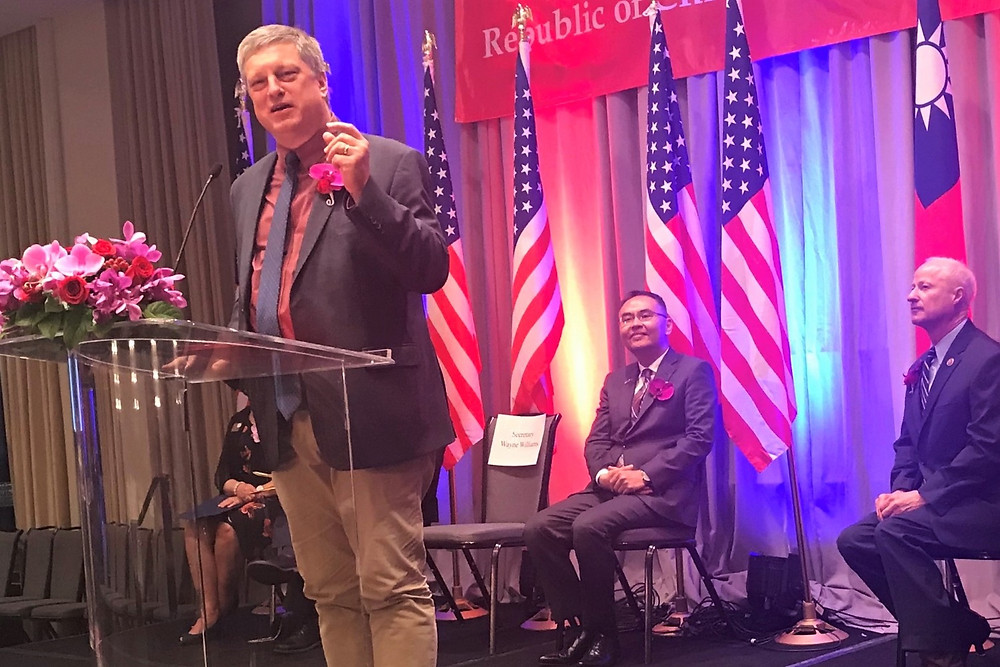 Colorado Secretary of State Wayne Williams helps the Republic of China celebrate its 107th birthday, along with Director General Jerry Chang and Congressman Mike Coffman, who represents a number of Coloradans with ties to Taiwan. (SOS photo)