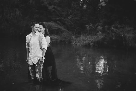 Swan Photography, Fort Worth Wedding Photographer, Best Wedding Photographer in Fort Worth, Benbrook Wedding Photographer, Benbrook Engagement session, natural engagement session in Benbrook