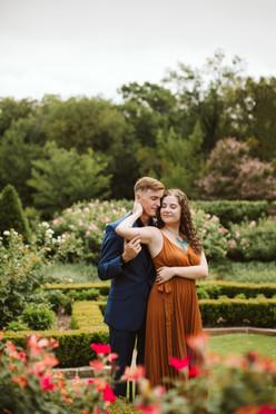 Fort Worth Botanic Garden Engagement Ses