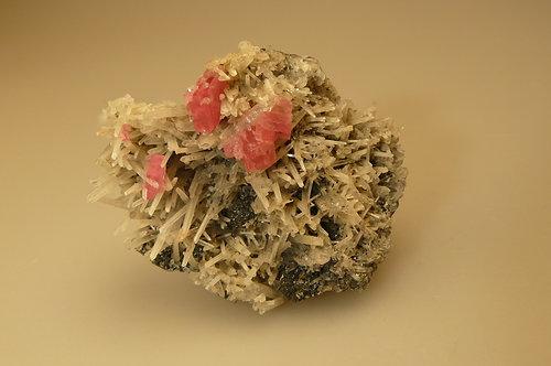 Rhodochrosite, Quartz, Sphalerite, Pyrite