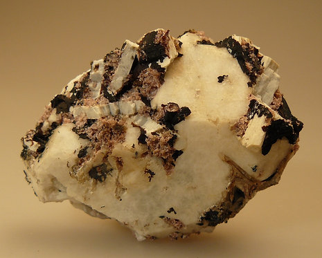 Analcime and Rhodochrosite