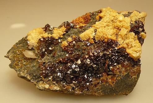 Sphalerite, Dolomite, Calcite