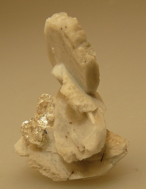 Albite, Aegirine, and Polyliothinite