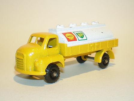 Budgie Miniatures No.56 Shell BP Tanker