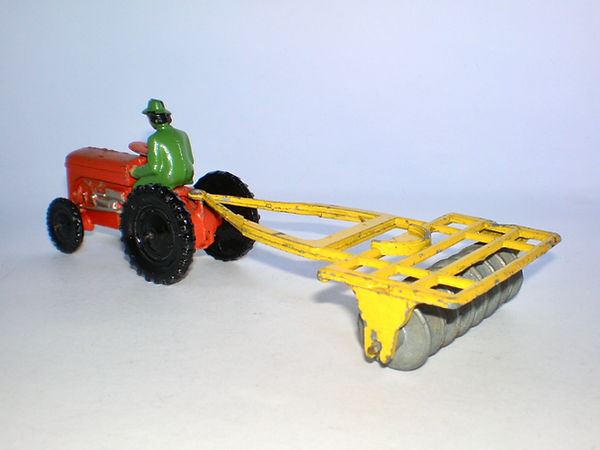 Benbros Qualitoy Tractor & Disc Harrow