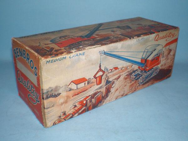 Benbros Qualitoy Medium Excavator/Medium Crane shared box