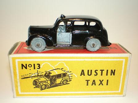 Budgie Miniatures No.13 Austin Taxi