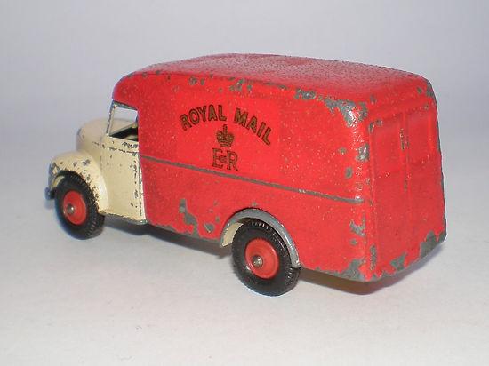 Britains Lilliput Vehicle Series LV/619 Post Office Royal Mail Van